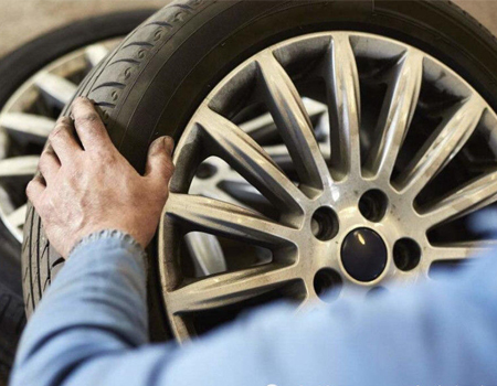 Is the thinner the car tire the better?